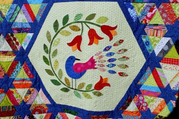 Raffle quilt centre detail
